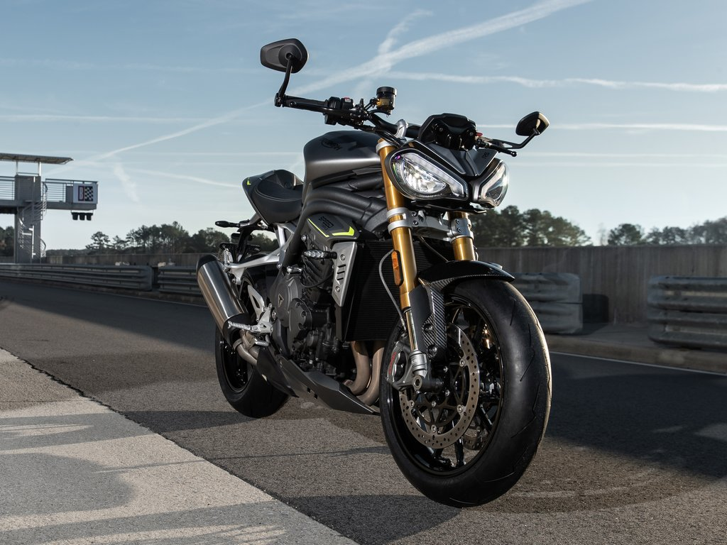 2021 Triumph Speed Triple 1200 RS Front