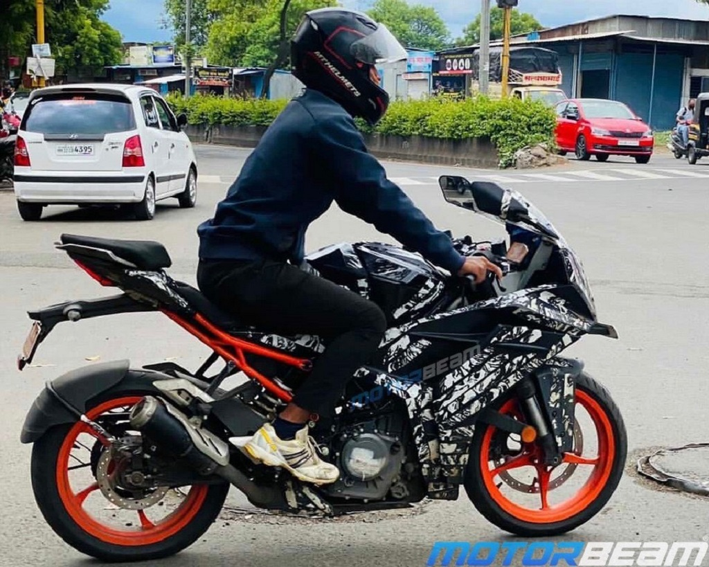 2022 KTM RC 390 Spotted