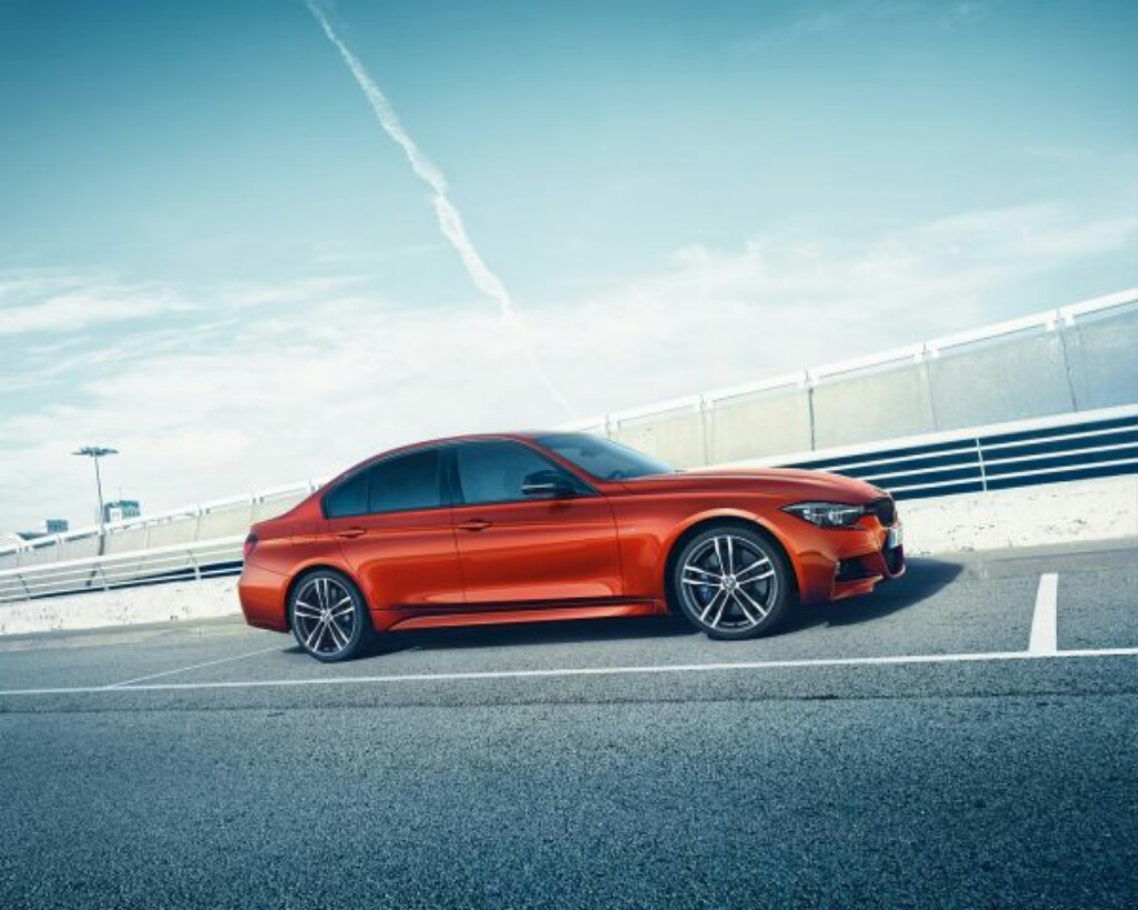 Bmw 3 Series Shadow Edition Price Starts At Rs 41 4 Lakhs Motorbeam