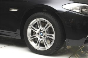 BMW 530d M Sport alloys