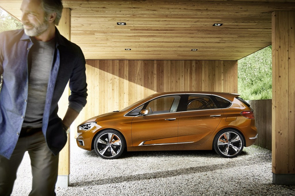 BMW Active Tourer Outdoor Concept Side