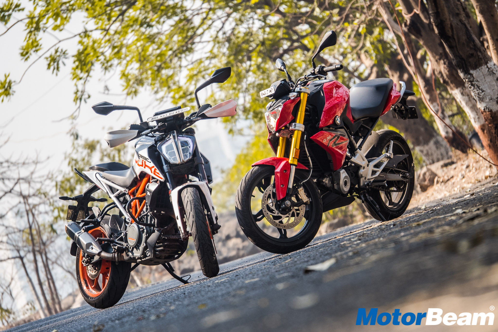 BMW G 310 R vs KTM Duke 390 Comparison Review