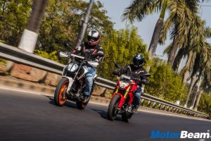 BMW G 310 R vs KTM Duke 390 - Video