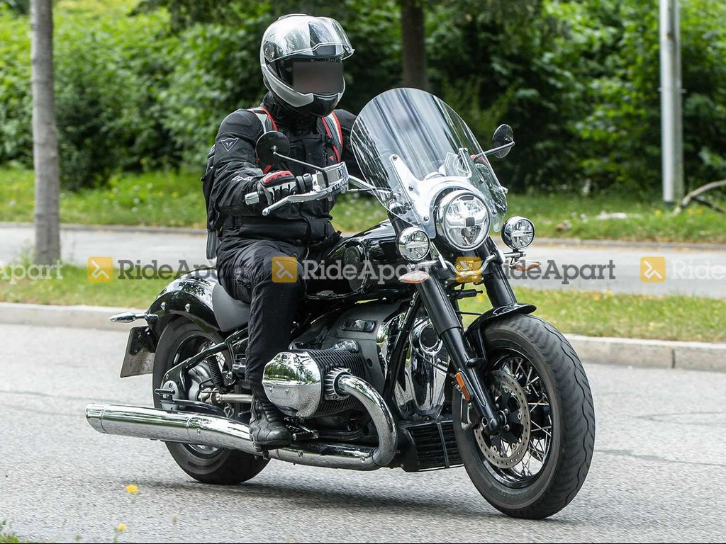 BMW R 18 Touring Spied