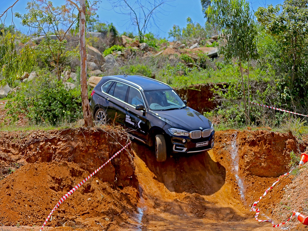 BMW X5 xDrive Experience Steep Slope