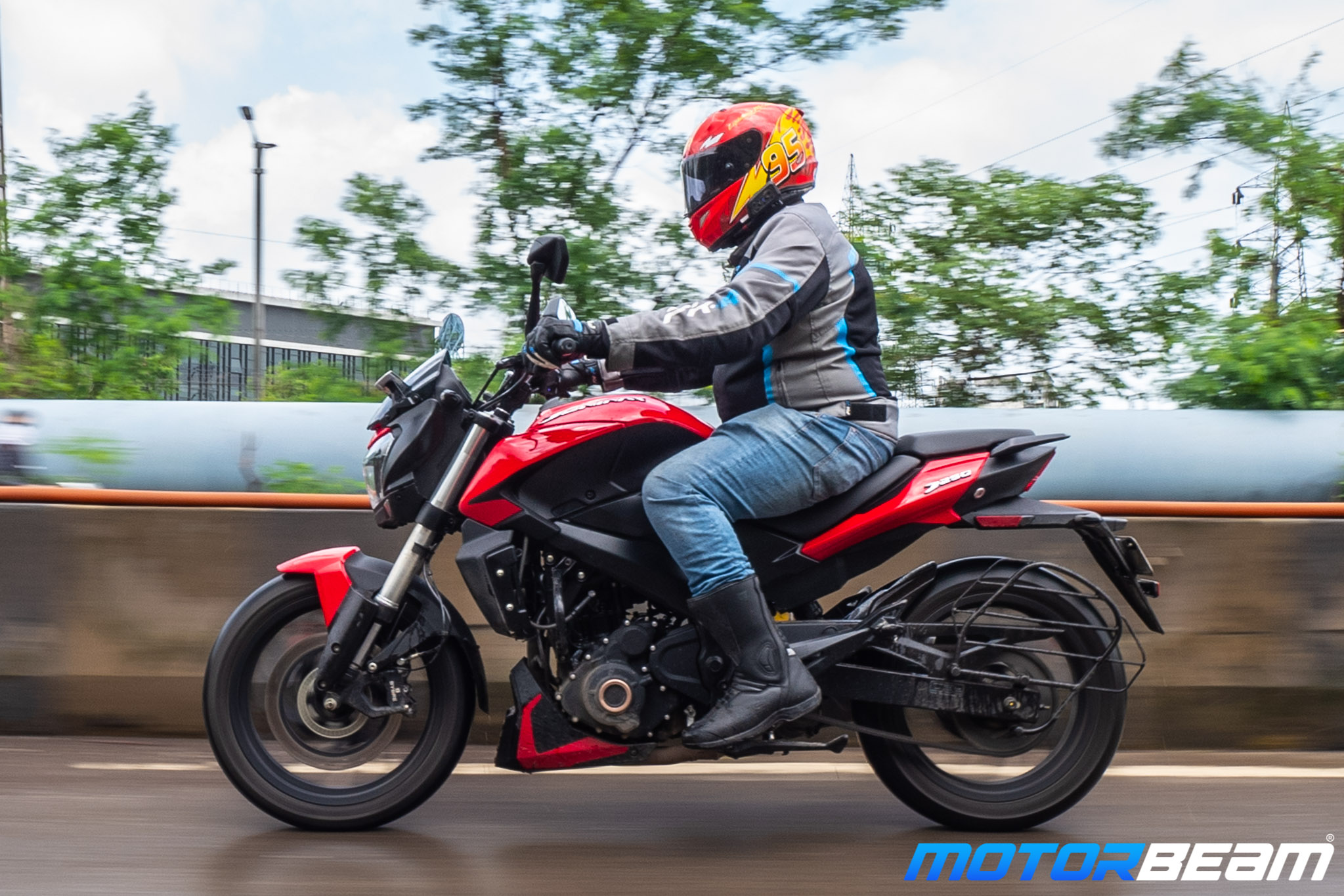 Bajaj Dominar 250 Review Posture
