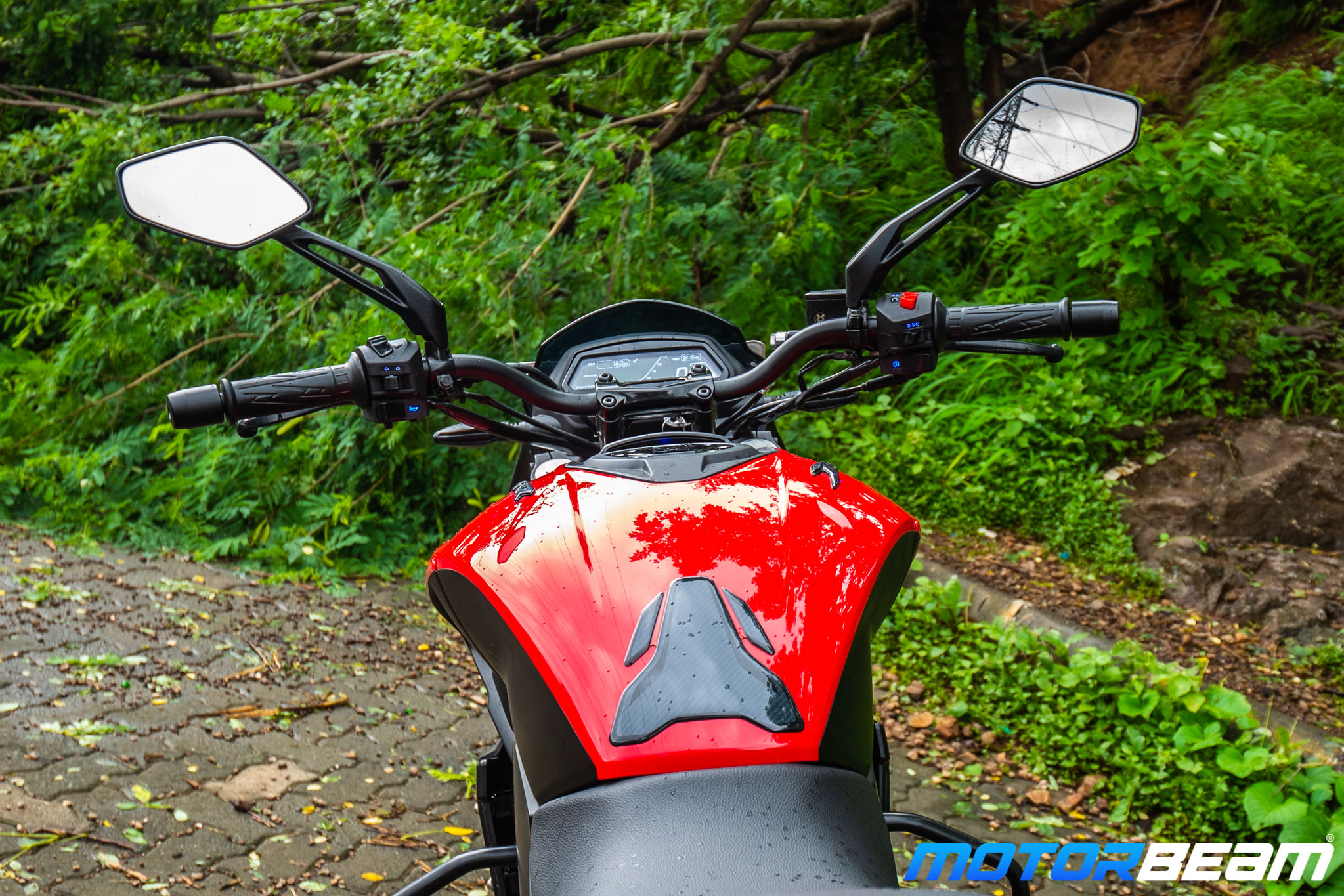 Bajaj Dominar 250 Review Tank