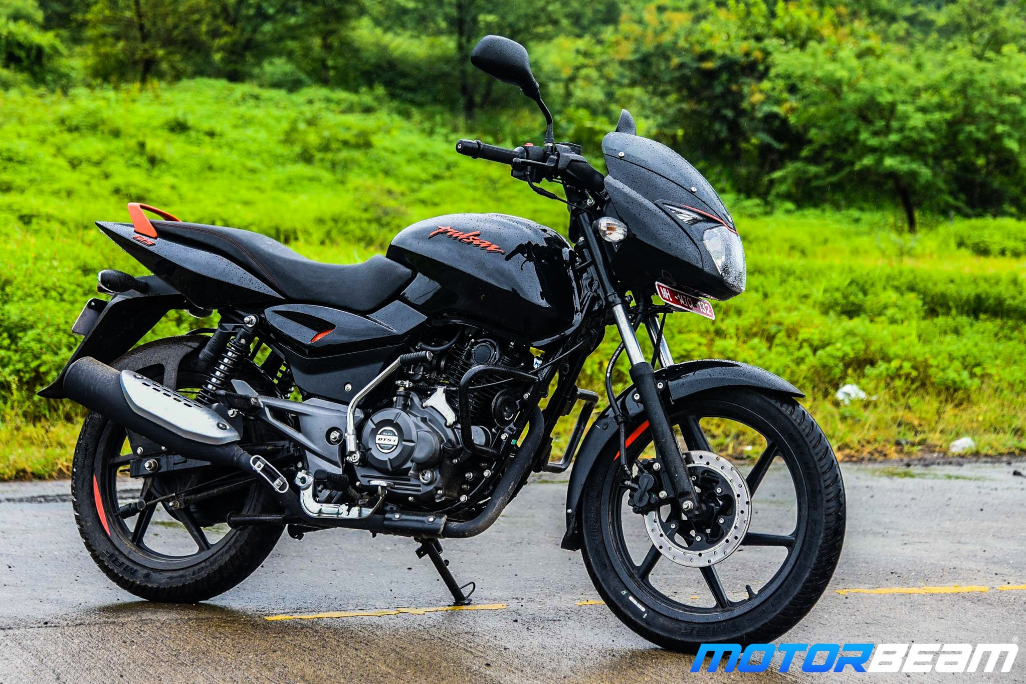 Bajaj Pulsar 125 Neon Road Test Review