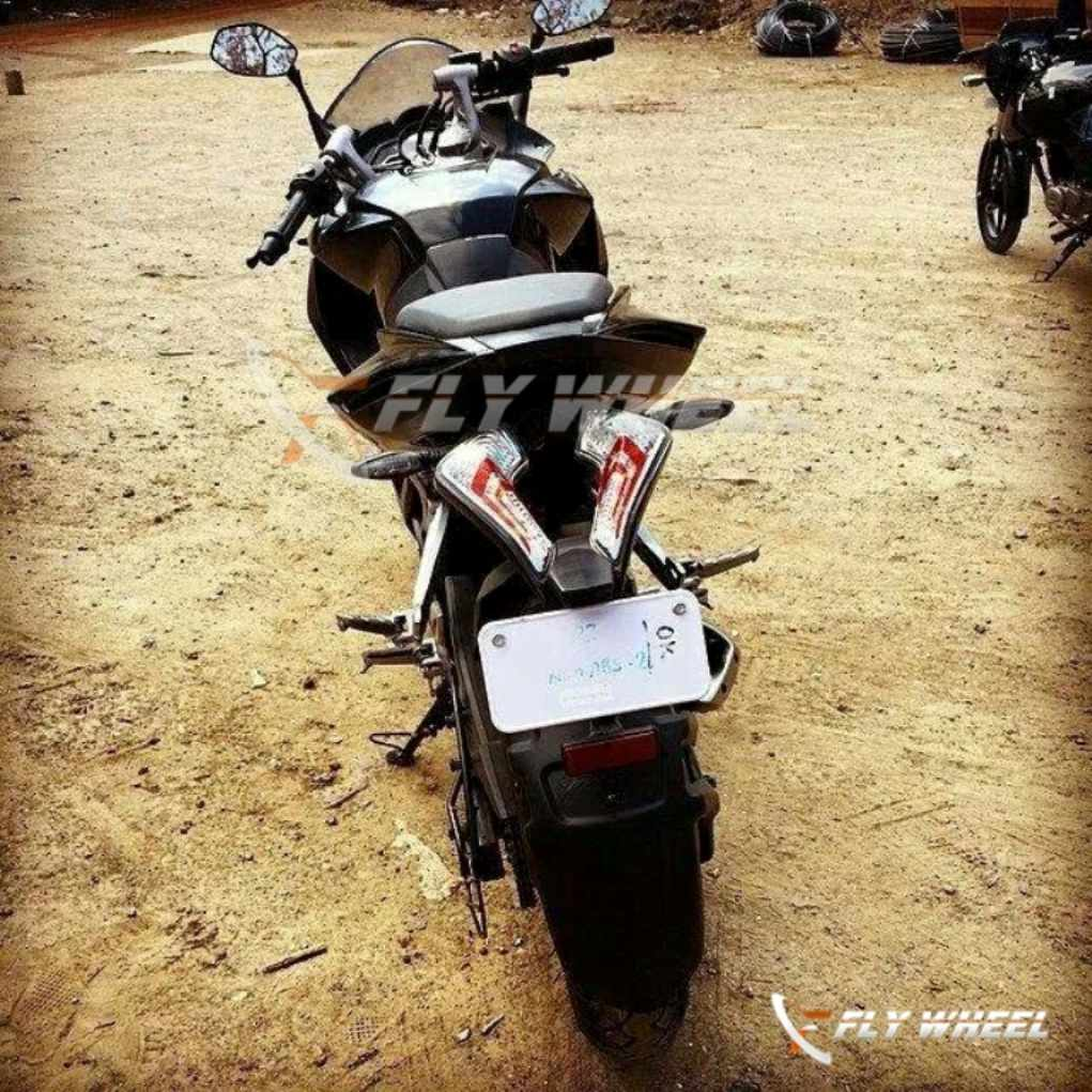 Bajaj Pulsar 200 SS Production Spec