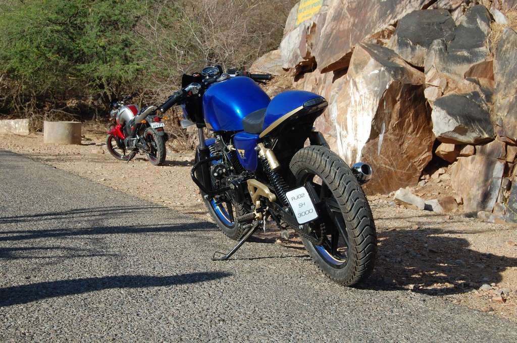 ny customs' pulsar p200gt cafe racer is super cool | motorbeam