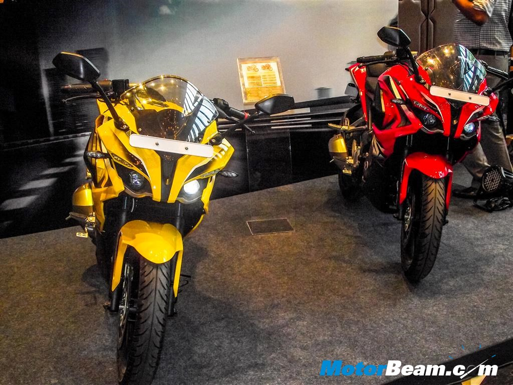 Bajaj pulsar rs200 vs ktm rc200 vs honda cbr250r comparison youtube - Bajaj Pulsar Rs 200 Colours