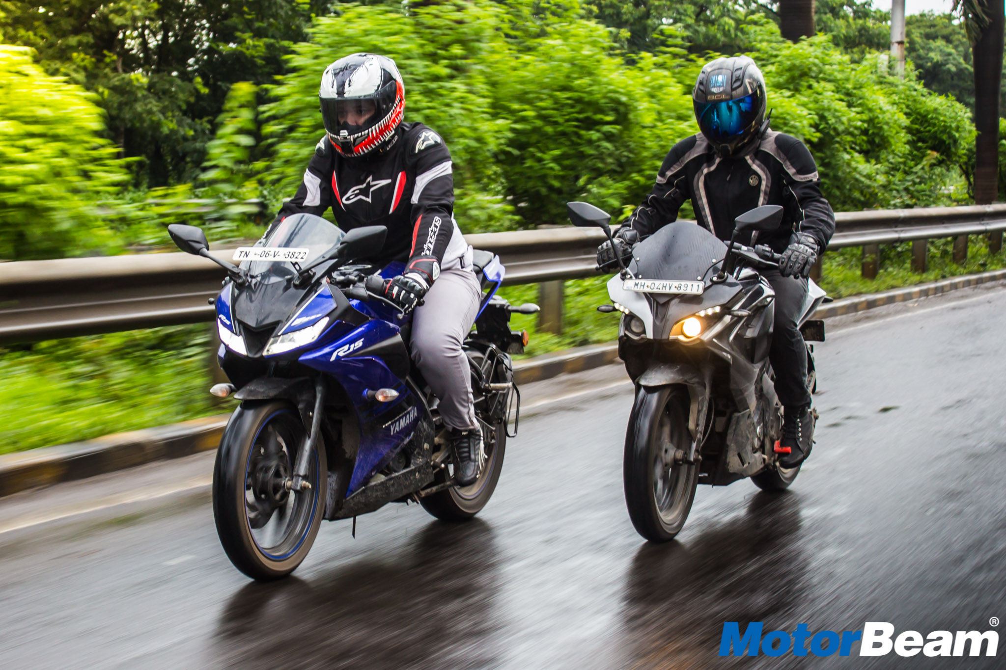 Excellent Yamaha R15 V3 Vs Bajaj Pulsar Rs 200 Shootout Motorbeam Ncnpc Chair Design For Home Ncnpcorg