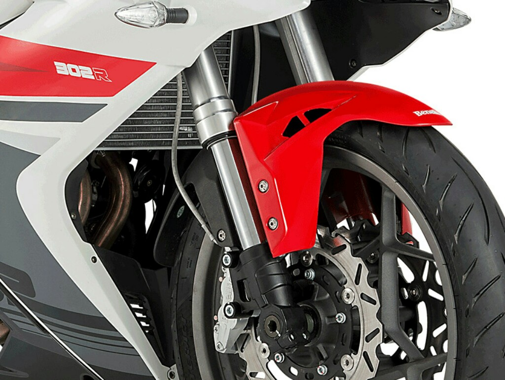 Benelli 302R Features