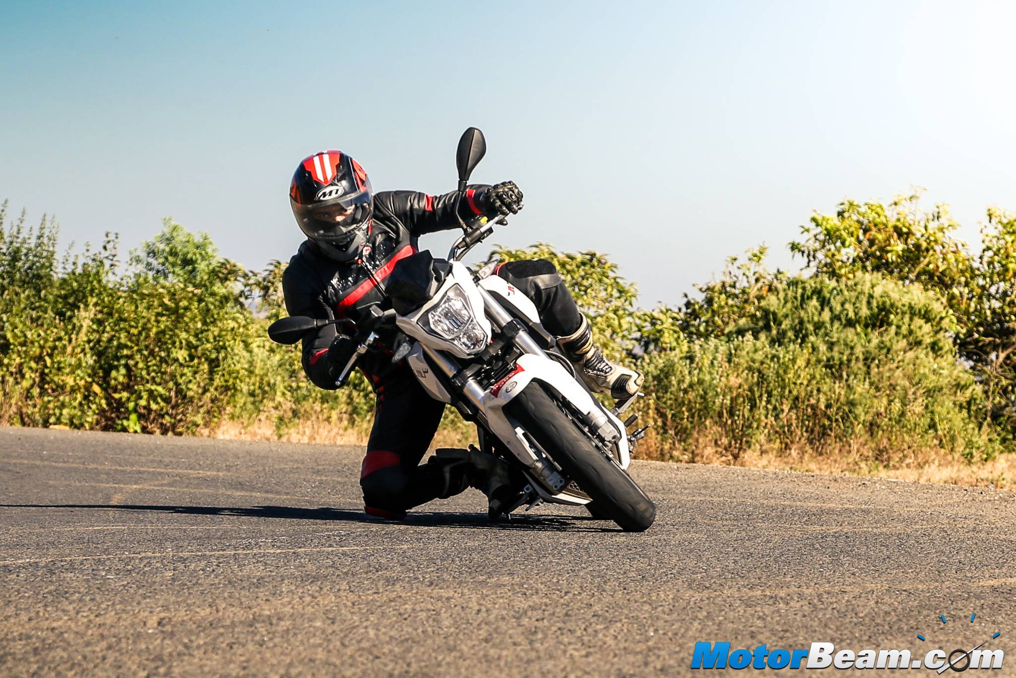 Benelli TNT 25 Review