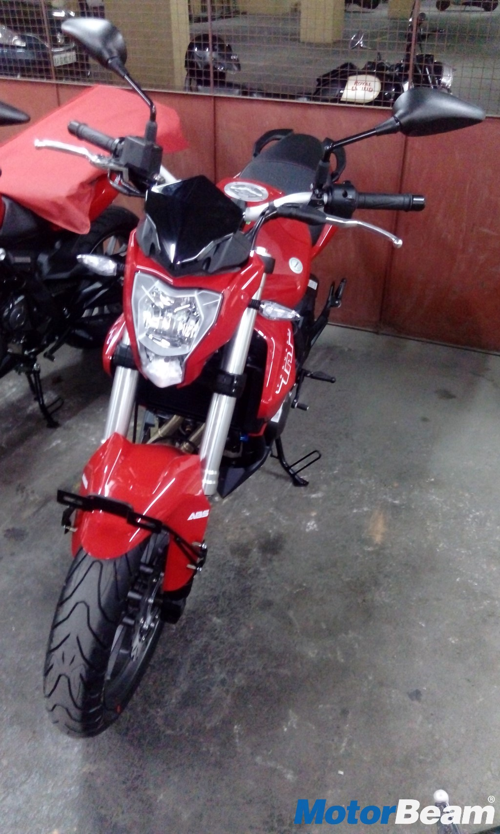Benelli TNT 300 ABS Front