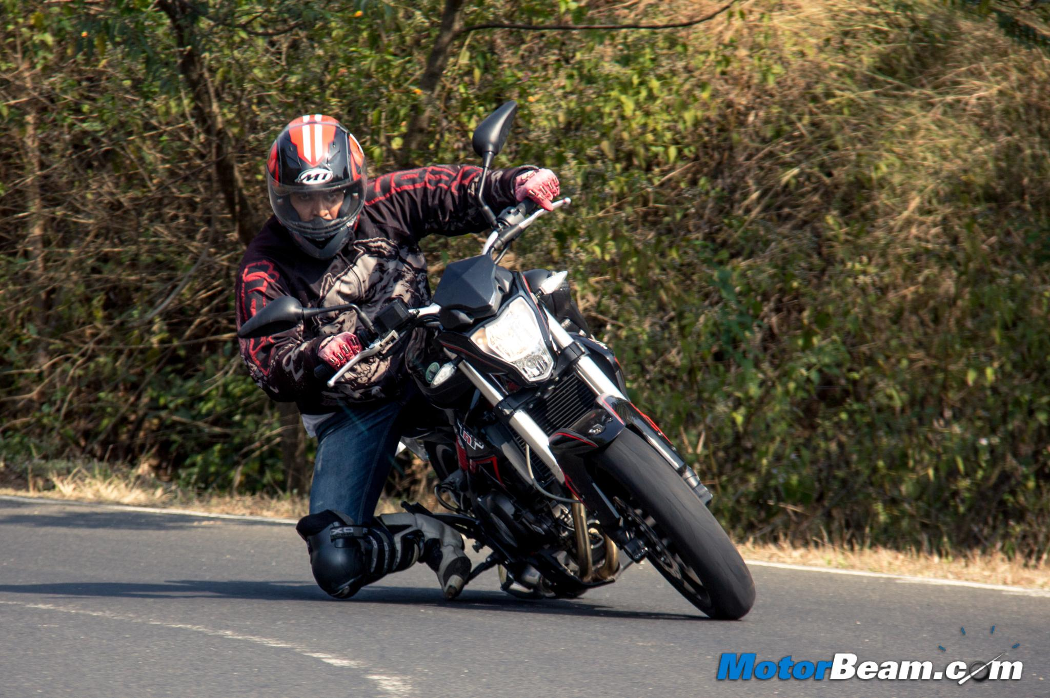 Benelli TNT 300 Review