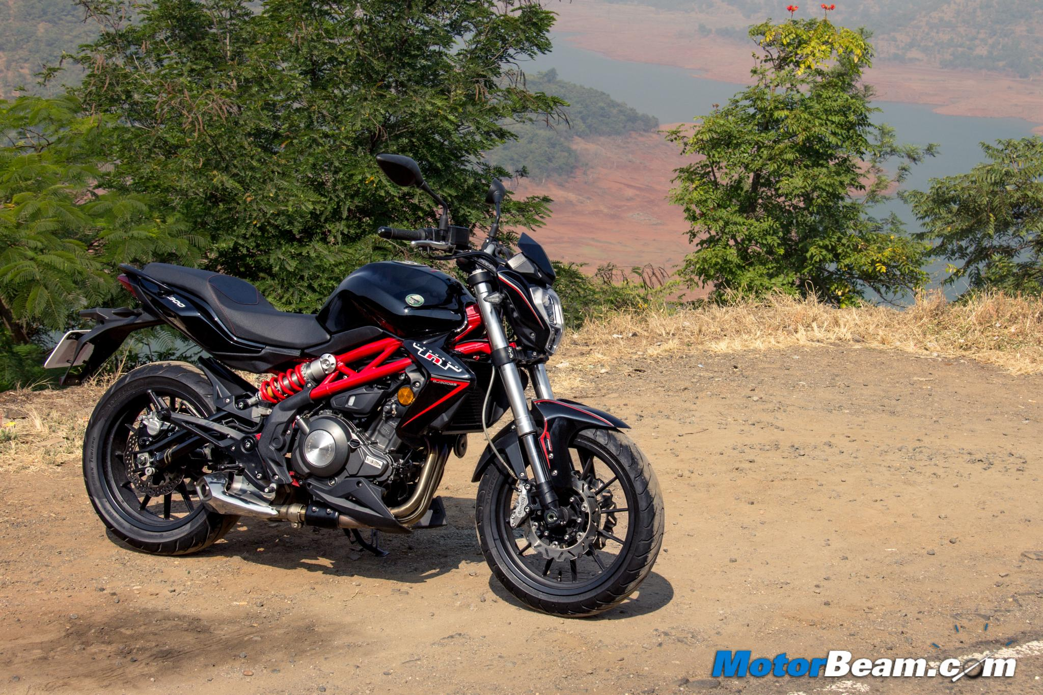 Benelli TNT 300 Test Ride Review
