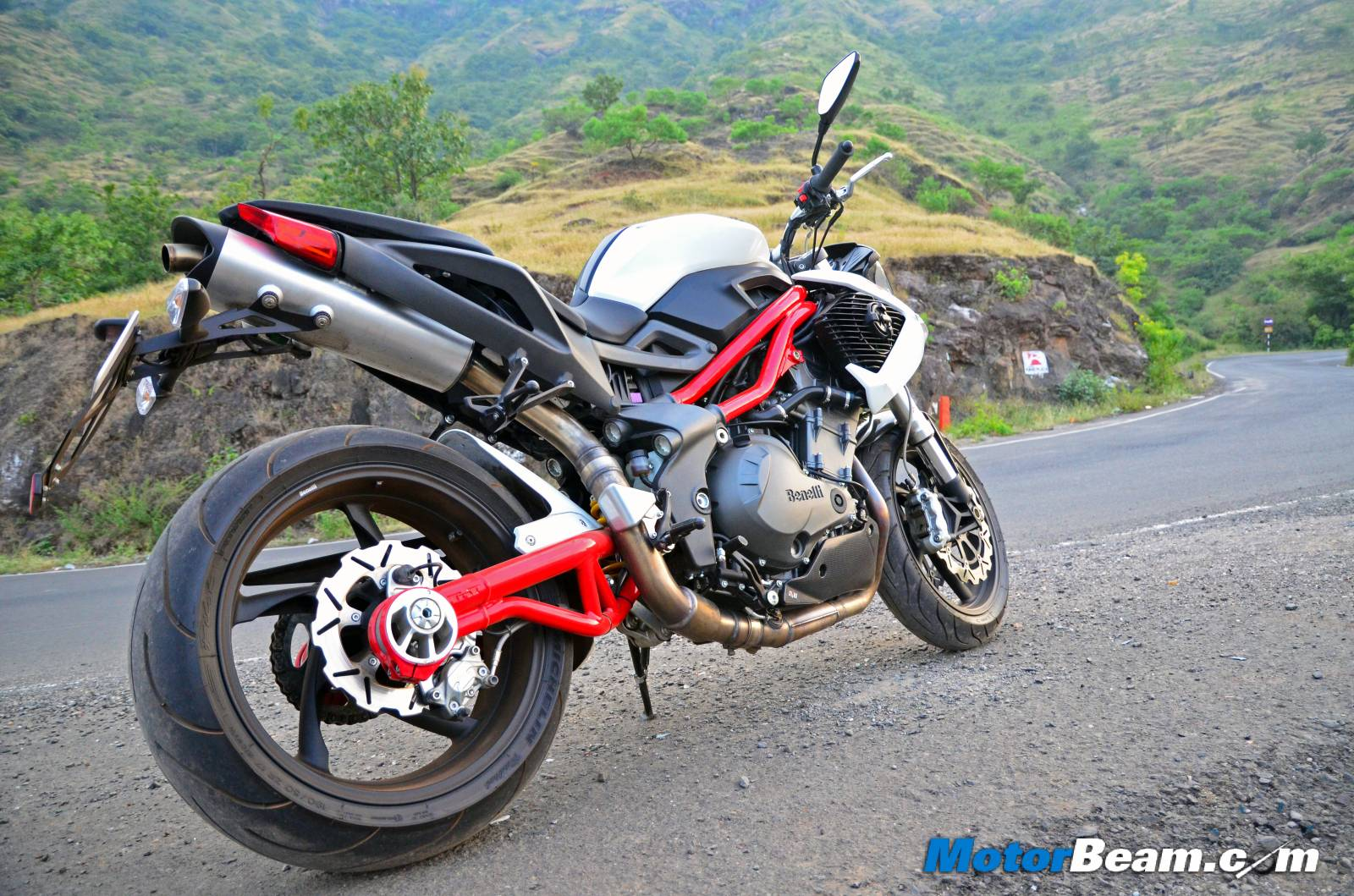 Benelli TNT 899 Test Ride Review