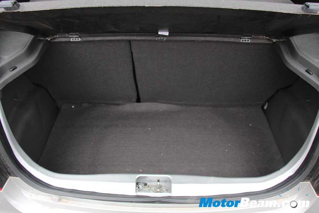 Chevrolet Beat Boot Review