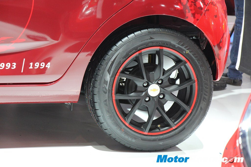 Chevrolet Beat Manchester United Alloys