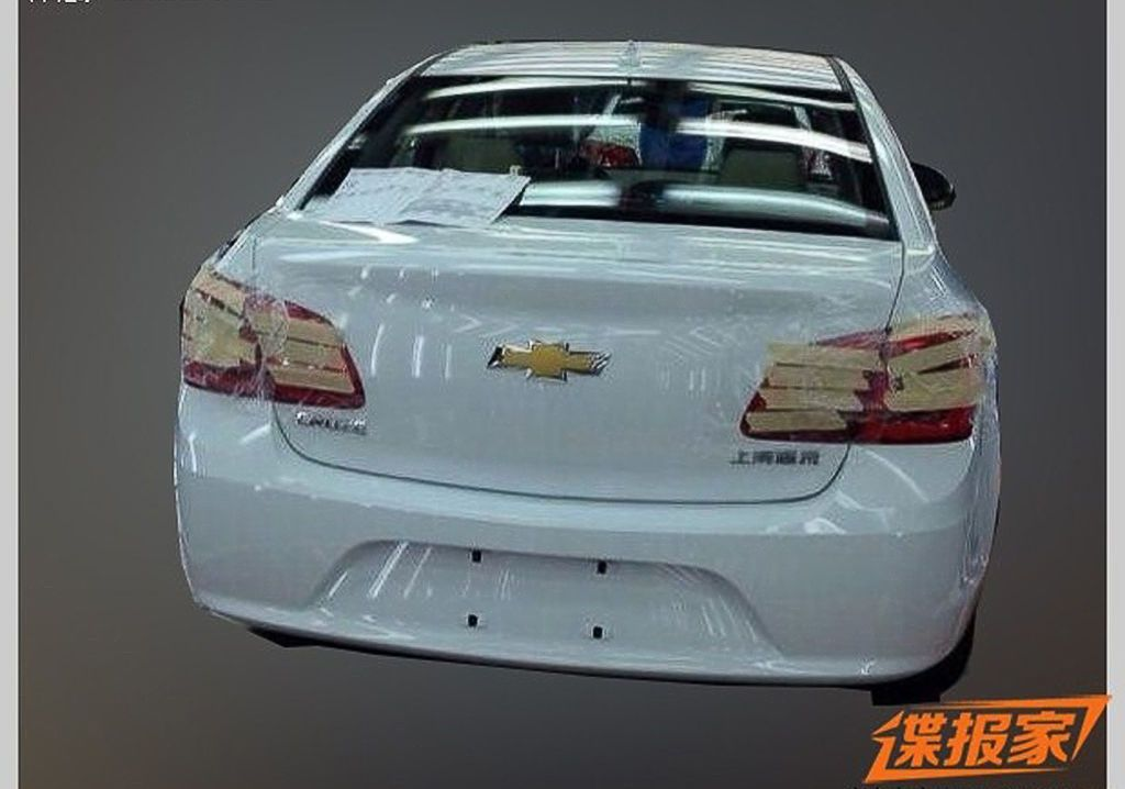 Chevrolet Cruze Facelift China Spy Shot Rear