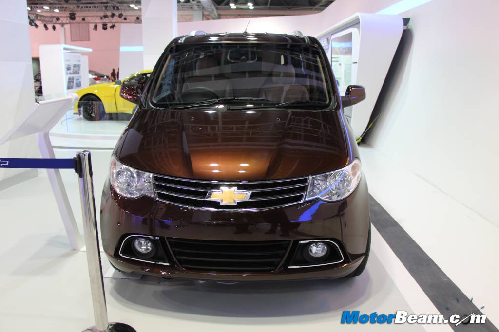 Chevrolet Enjoy Luxury Edition Front