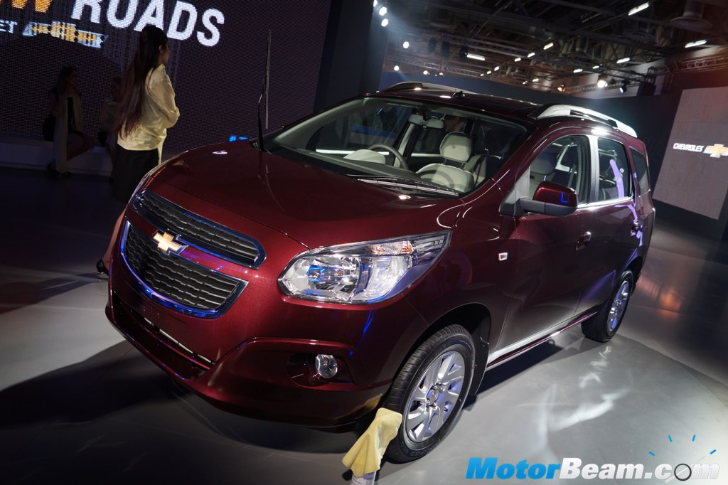 Chevrolet Spin Mpv Showcased At 2016 Auto Expo Live Motorbeam