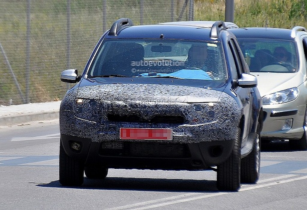Dacia Duster Facelift Spied