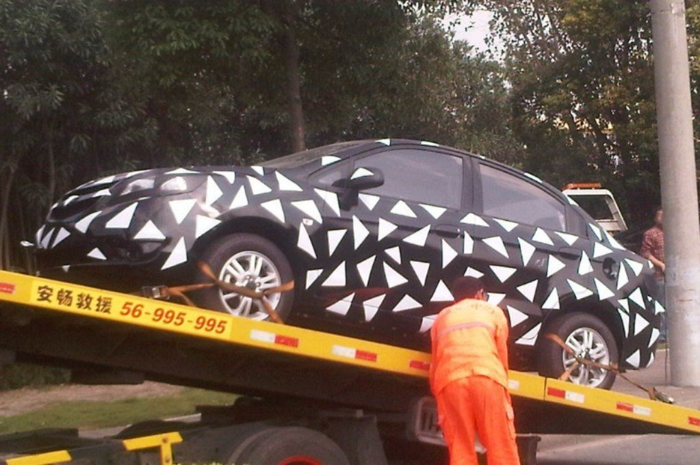 Facelift Chevrolet Sail China Camouflaged