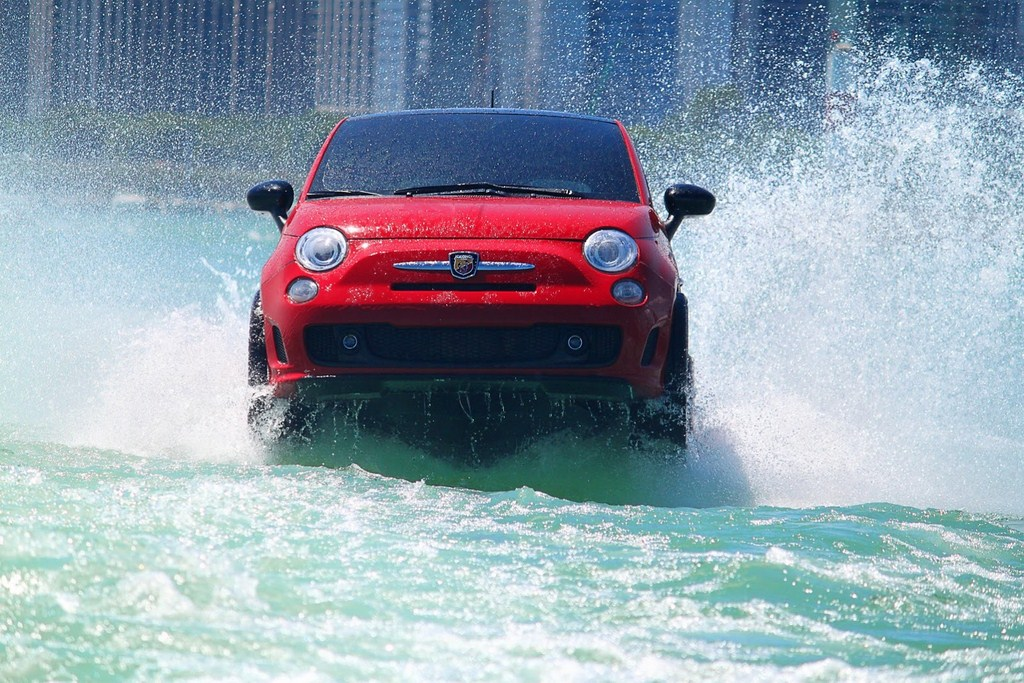 Fiat 500 Watercraft Front