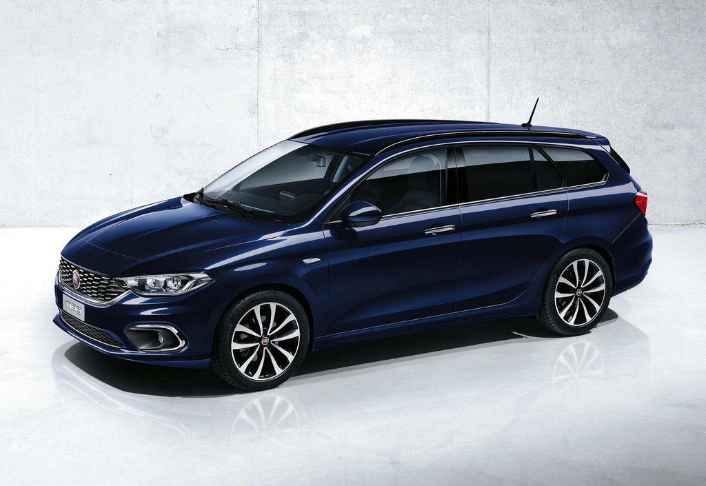 Fiat Tipo Estate Side