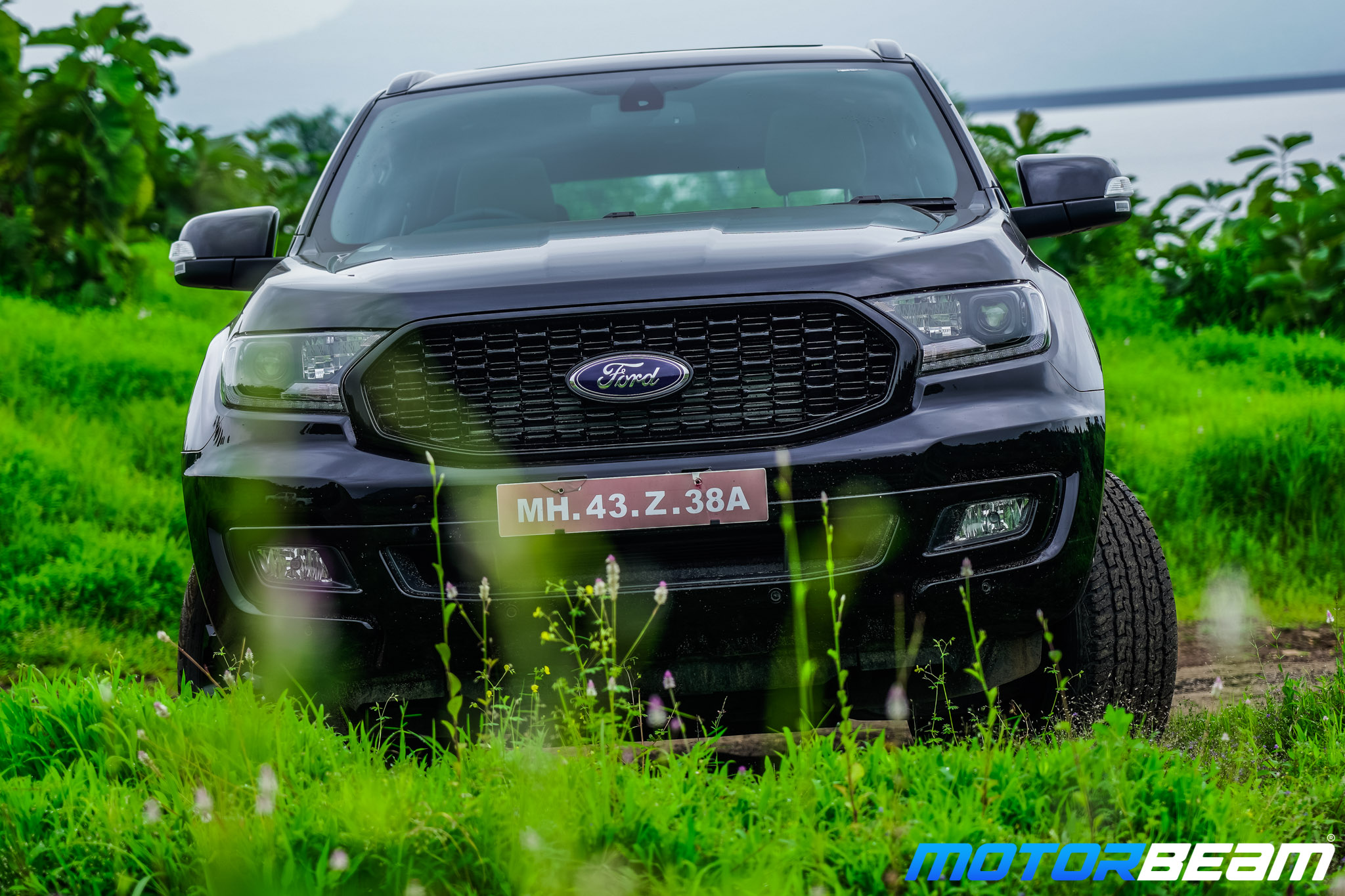 Ford-Endeavour-Sport-2
