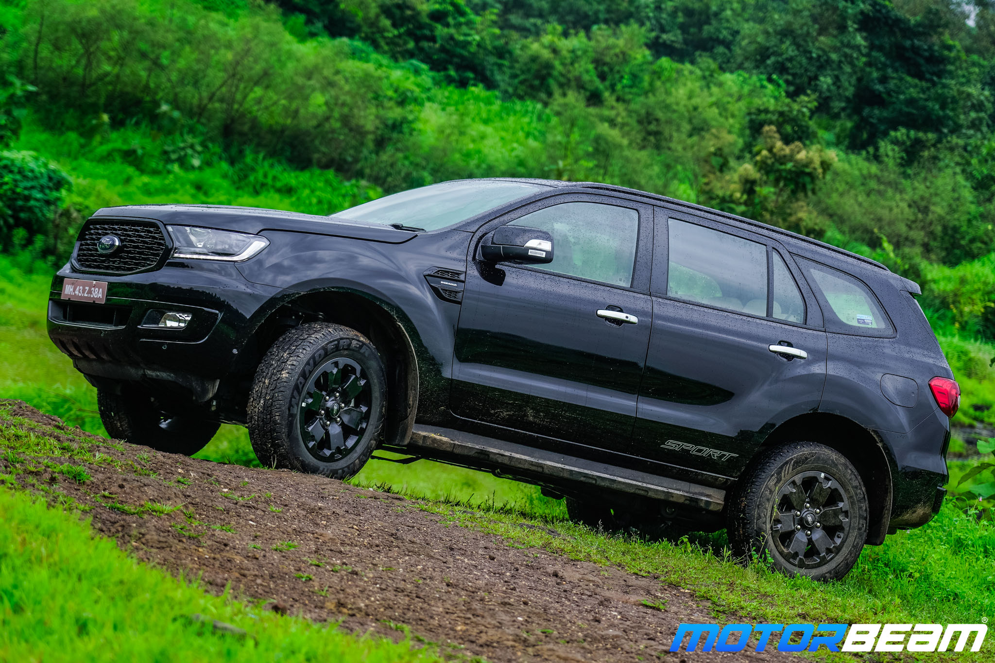 Ford-Endeavour-Sport-3