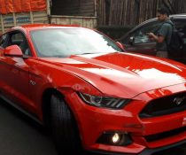 Ford Mustang Crash Mumbai