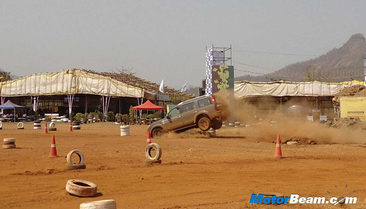 Ford Endeavour Stoppie