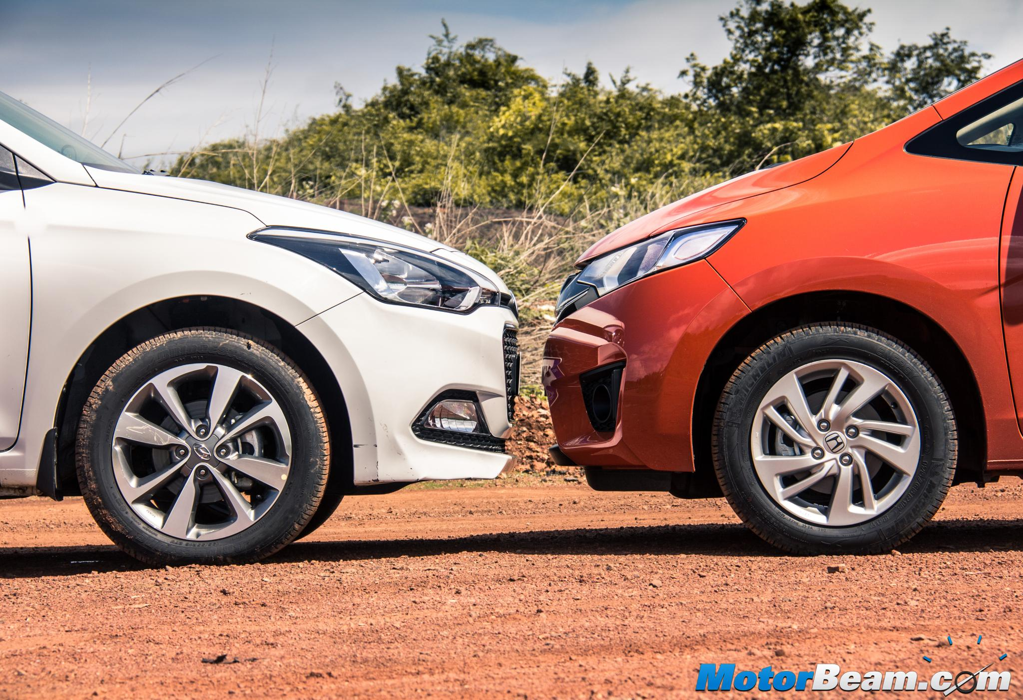 Honda Jazz vs Hyundai Elite i20 Review