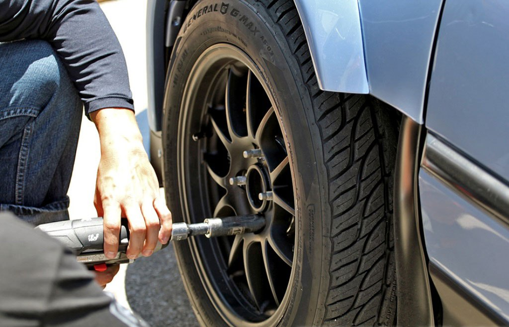How to Flat Tyre Lose Nuts