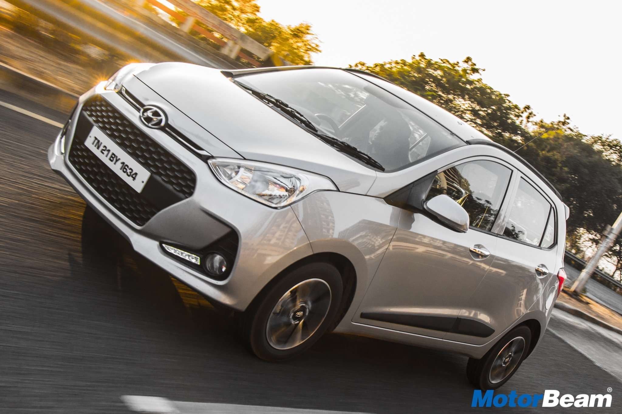 Hyundai Grand i10 Pros & Cons