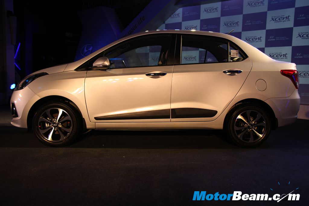 Hyundai Xcent Launch Side
