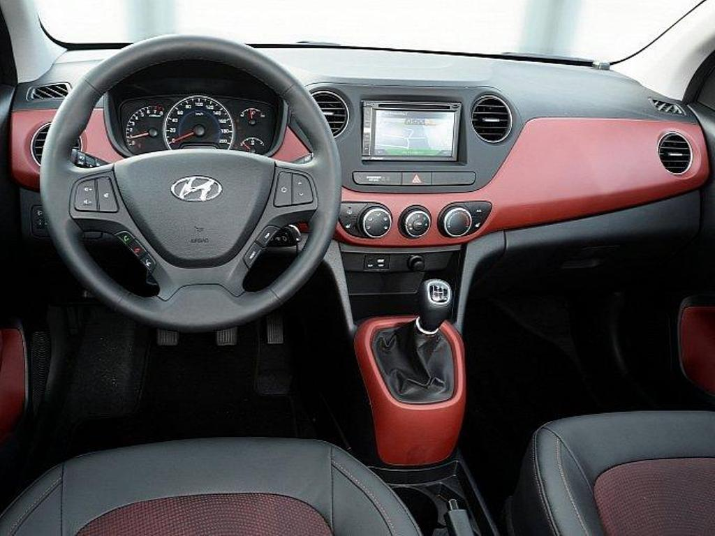 Hyundai i10 Sport Germany Dashboard