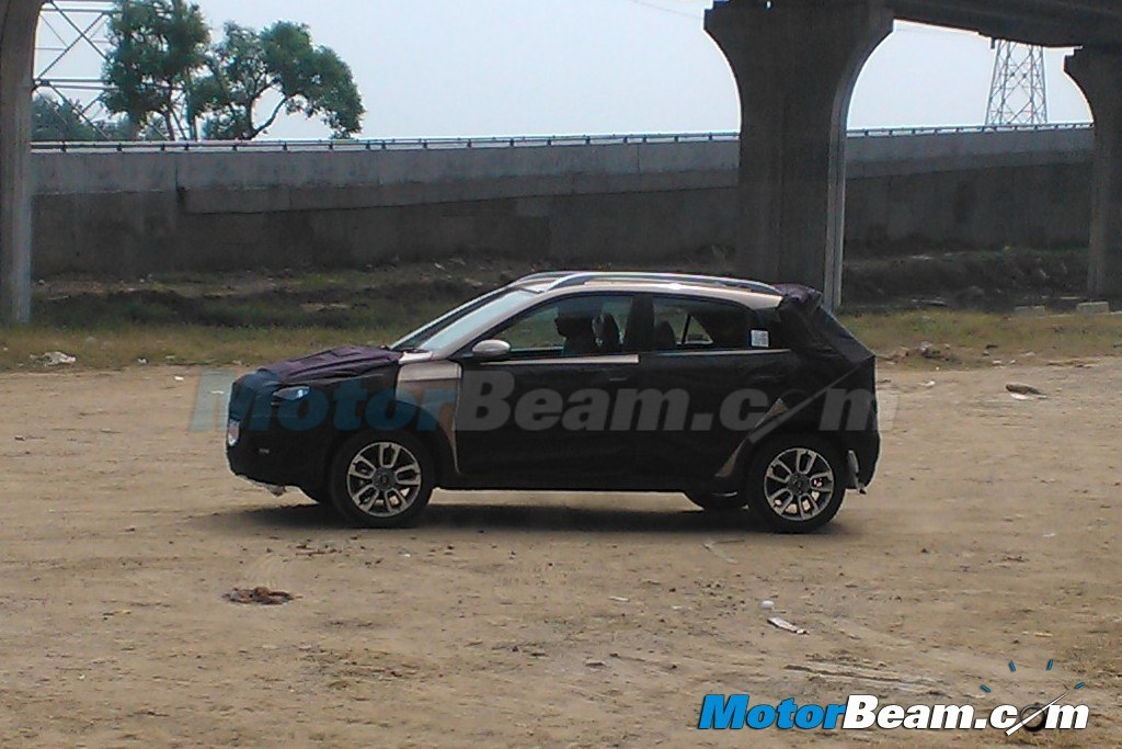 Hyundai i20 Cross Spied Ground Clearance