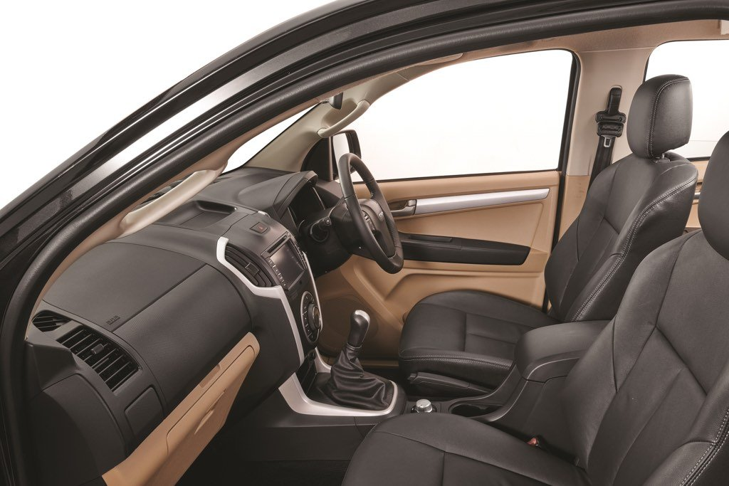 Isuzu D-Max V-Cross Interiors