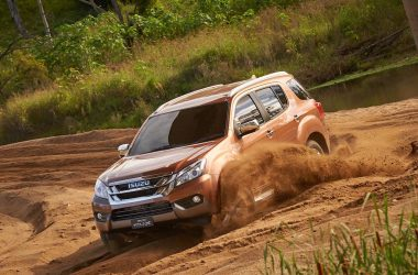 2017 Isuzu MU-X Launched, Priced From Rs. 23.9 Lakhs