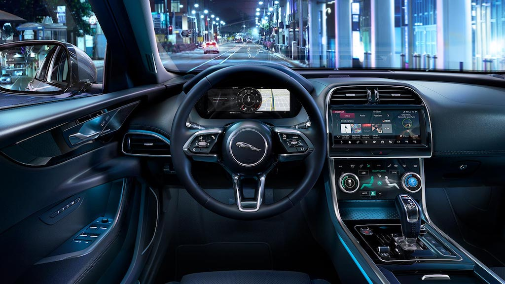 Jaguar XE Facelift Dashboard