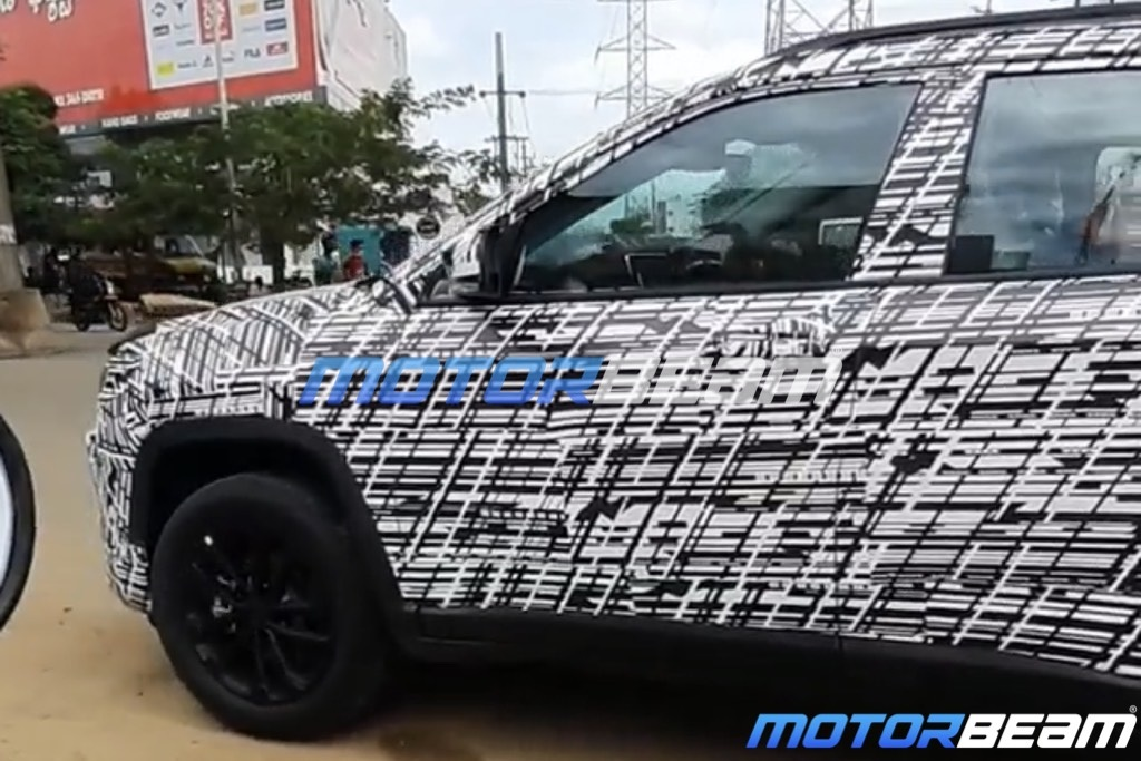 Jeep Compass Facelift Spotted
