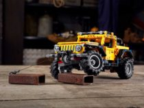 Jeep Wrangler Rubicon Lego Kit Crawling
