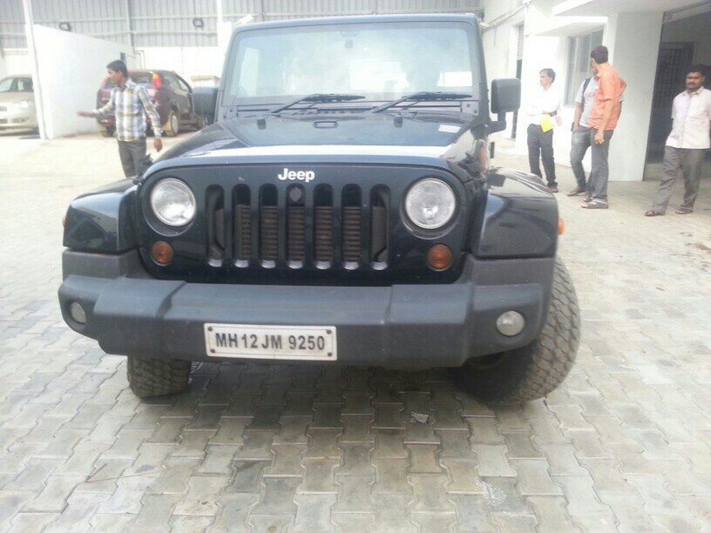 Jeep Wrangler Spied Front
