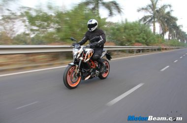 KTM Duke 390 BS3 Being Sold At Rs. 1.6 Lakhs (On-Road Price)