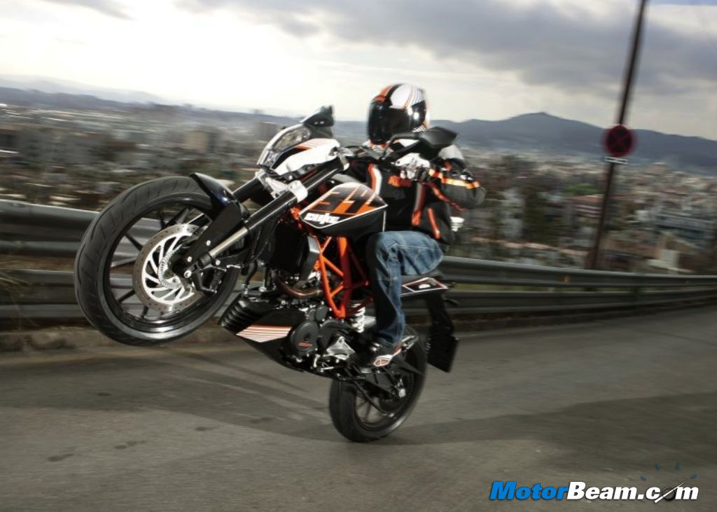KTM 390 Duke Wheelie