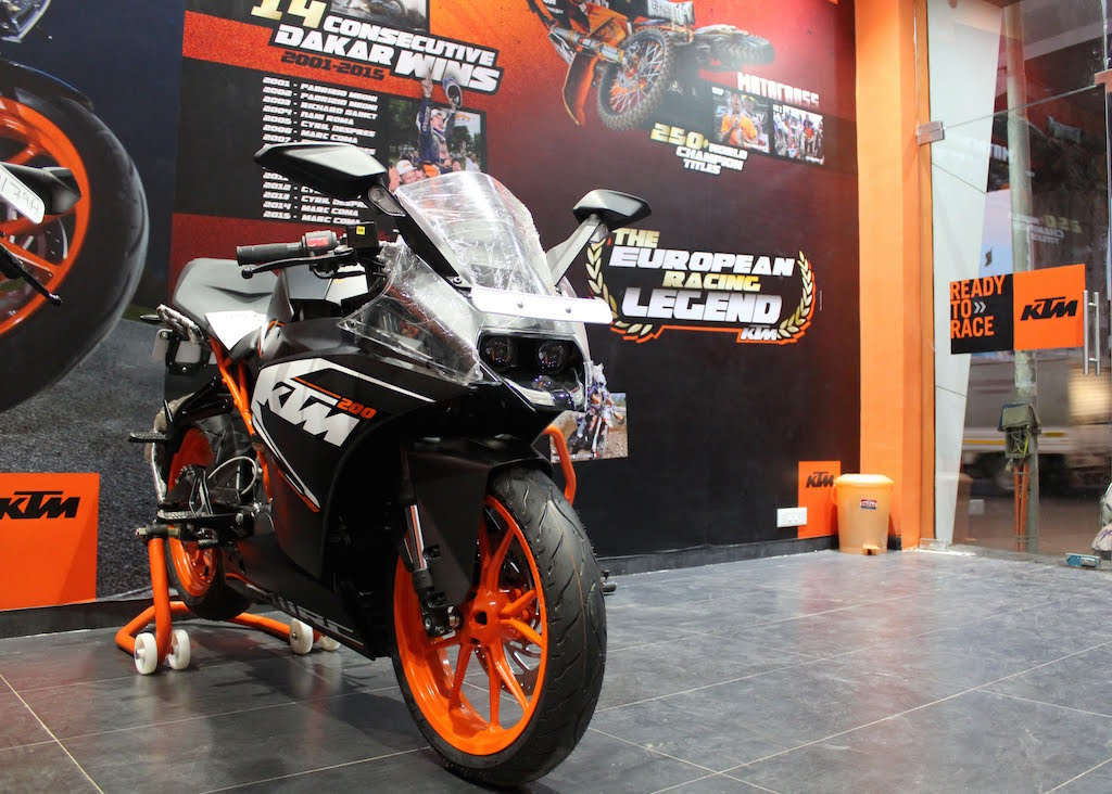 KTM Andheri Dealership RC 200